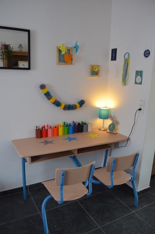 un nouveau bureau d colier dans notre salon mon bazar color. Black Bedroom Furniture Sets. Home Design Ideas
